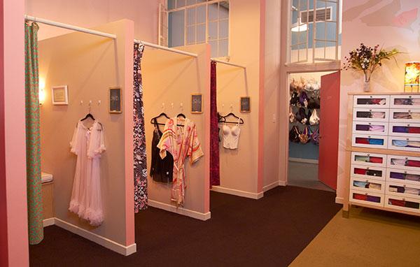 Jenette-Bras-Pasadena-Store-030-4