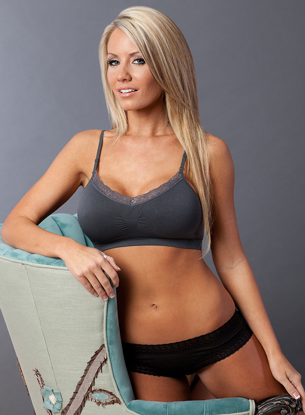 "4e7405031f221 ""Just got my first Coobie and went back for three more. Most comfortable bra  I have ever had!"""