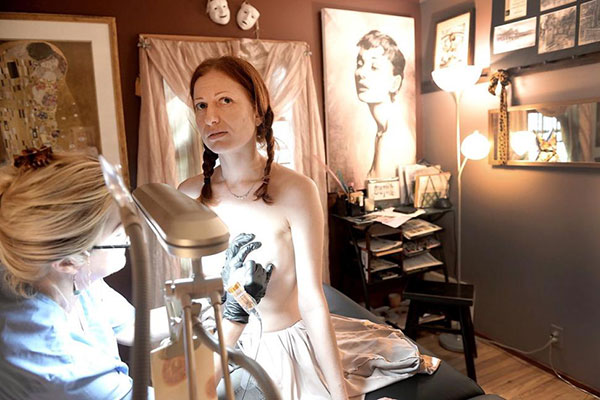 honorable-mention-feature-picture-story-tattoo-breasts-double-mastectomy-debbie-egan-chin