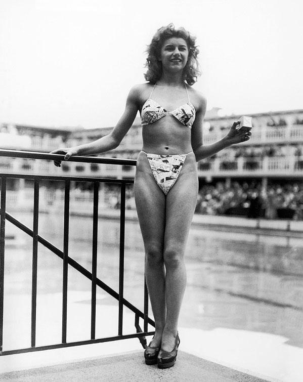 Reard Swimwear on Lingerie Briefs