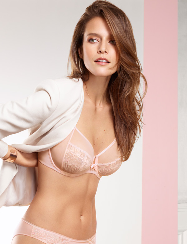 d3fe0d14b The Révèle Moi Perfect Fit Underwire Bra by Chantelle is the pillar of  everyday comfort and support. Sheer mesh panels at the top of the cups  helps contain ...