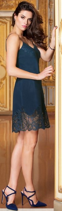 Lise Charmel's seductive Soir de Venise lingerie collection - new Navy color for AW17