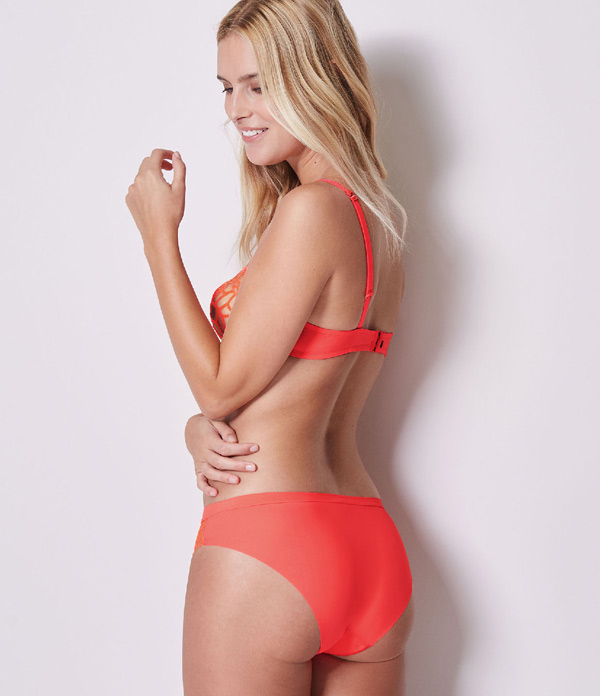 Simone Perele's Java matching bottoms come in 3 seamless styles: boyshort, thong and bikini.