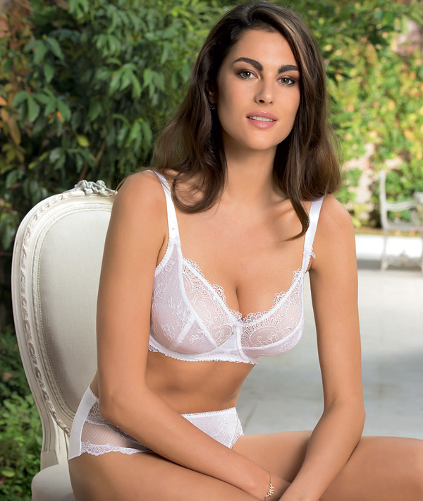 Frivole Eté in white - Eprise by Lise Charmel - seen on Lingerie Briefs