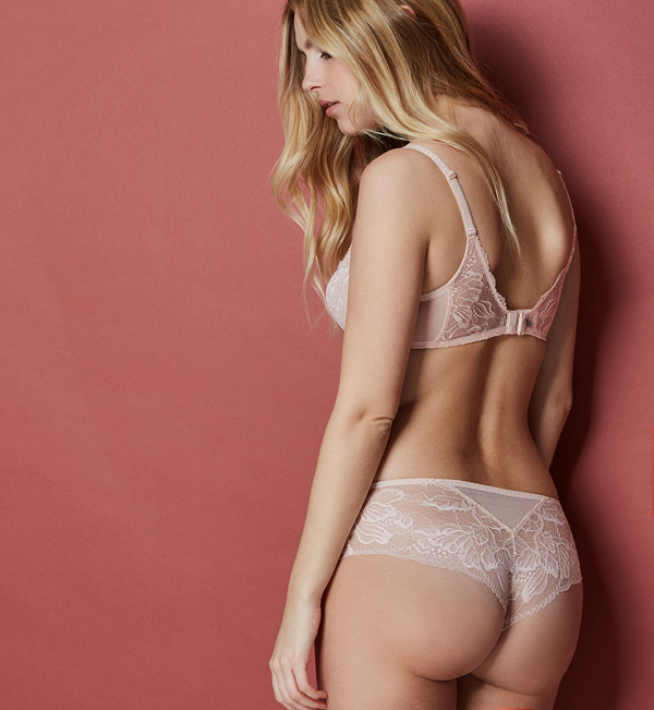 Simone Perele New Promesse Boyshort featured on Lingerie Briefs