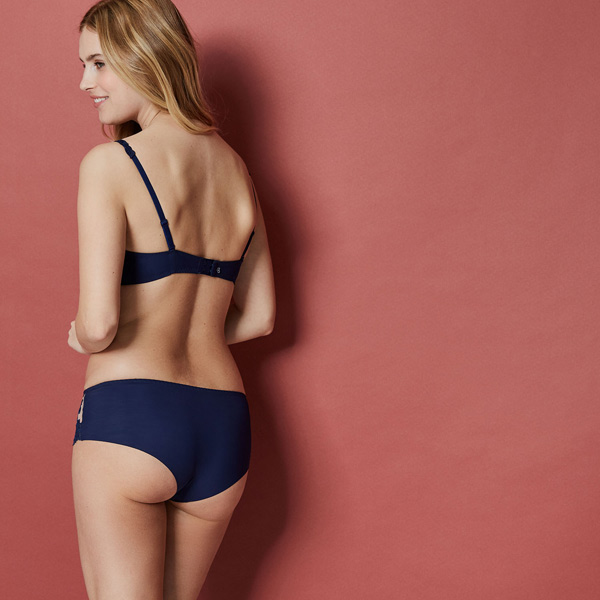 Simone Perele's new Saga Boyshort in New Navy, featured on Lingerie Briefs