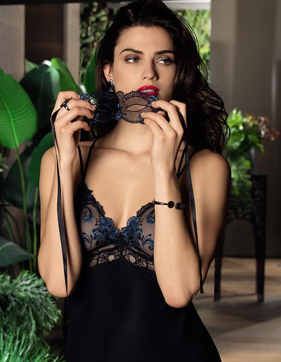 Lise Charmel Nuit Elegance chemise on Lingerie Briefs