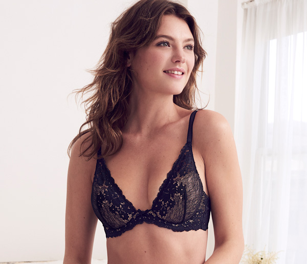 b.tempt'd Insta Ready Plunge Bra featured on Lingerie Briefs