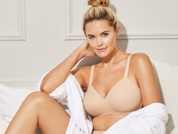 Wacoal's unique Ultimate Side Smoother Wire Free Bra featured on Lingerie Briefs