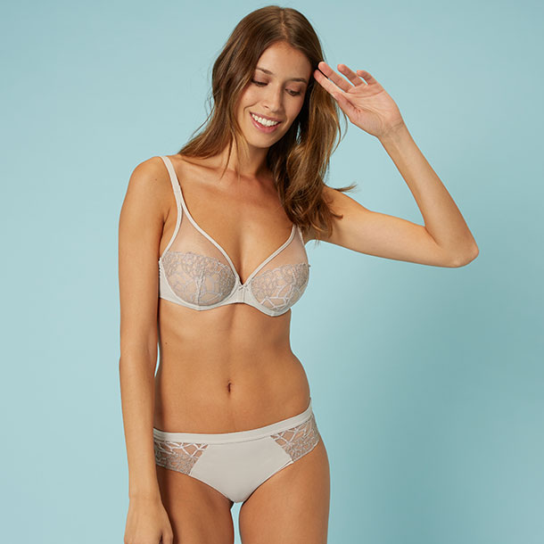 Simone Perele Java sheer plunge bra in linen as featured on Lingerie Briefs