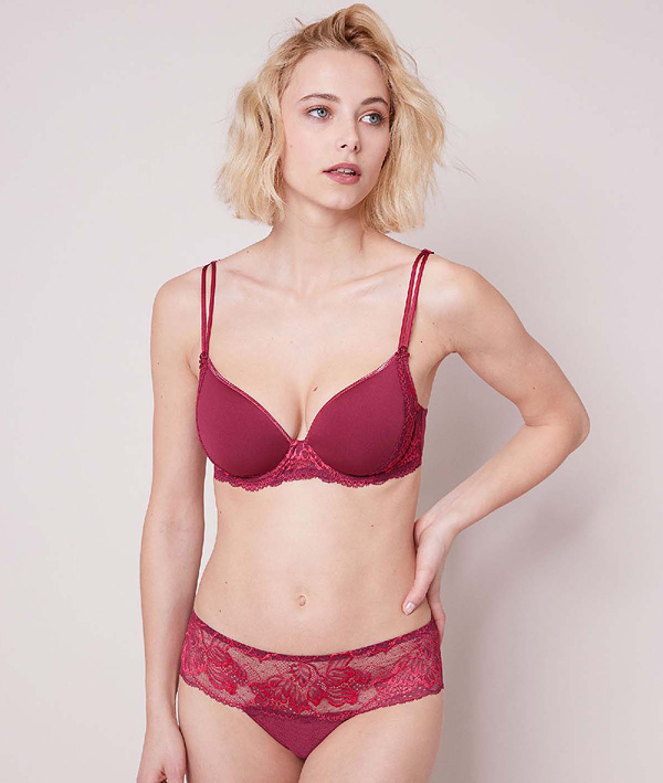 Simone Perele Promesse 3D Plunge and Boyshort in new color Tourmaline (available July 2019) featured on Lingerie Briefs