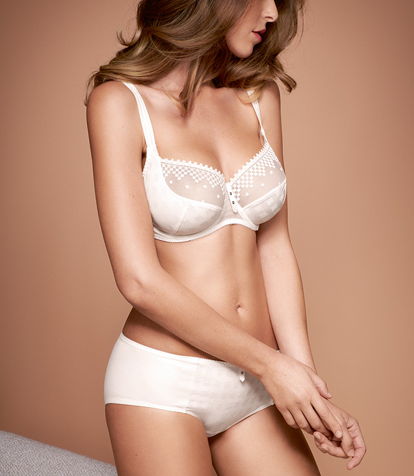 Empreinte Jazz Low Neck Bra AW19 in natural - featured on Lingerie Briefs