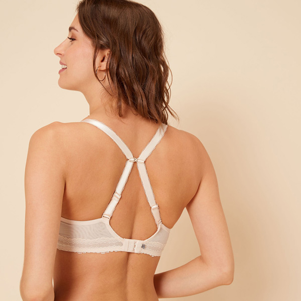 Simone Perele Confiance Contour Bra (back) featured on Lingerie Briefs