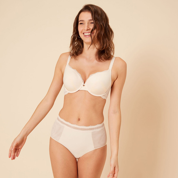 Simone Perele Confiance Contour Bra featured on Lingerie Briefs
