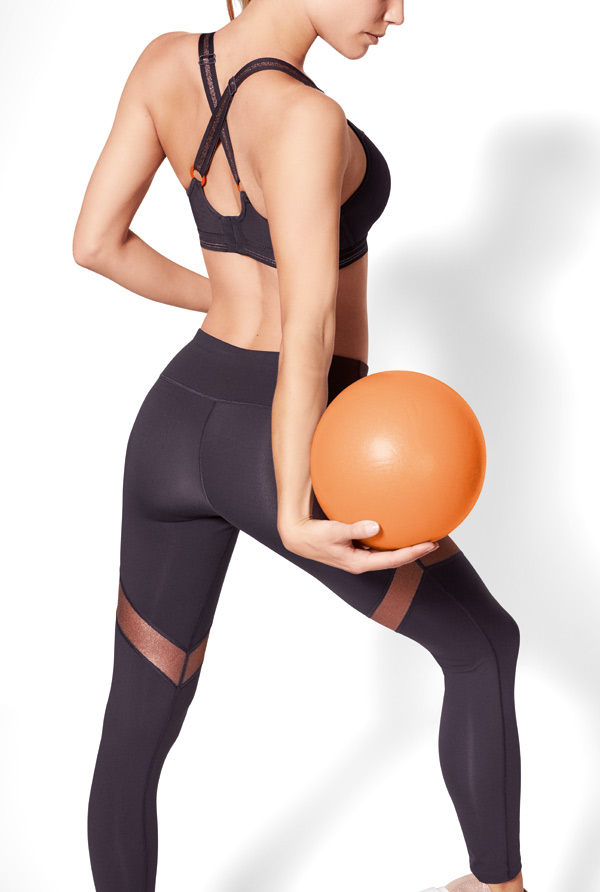 Empreinte chic leggings play with a graphic simplicity. Featured on Lingerie Briefs