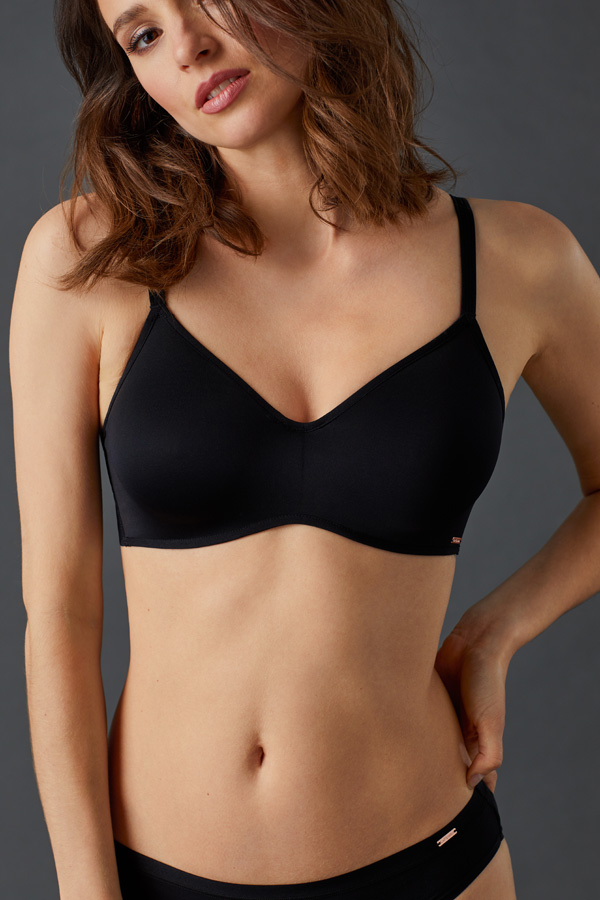 Le Mystere's Clean Lines Unlined is a smooth and seamless everyday unlined bra featured on Lingerie Briefs