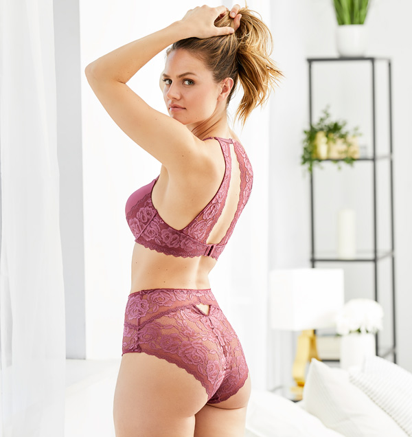 Montelle's Moonlight & Roses Allure Bra and High Waist Panty featured on Lingerie Briefs