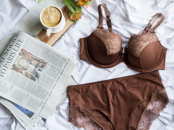 Curvy Couture Tulip Lace bra featured on Lingerie Briefs