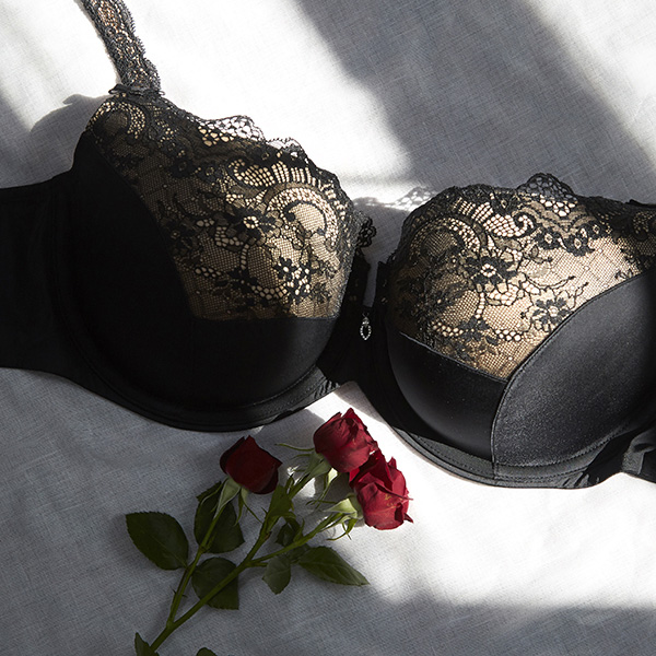 Curvy CoutureLingerie photographed by Stephanie Hynes for Lingerie Briefs