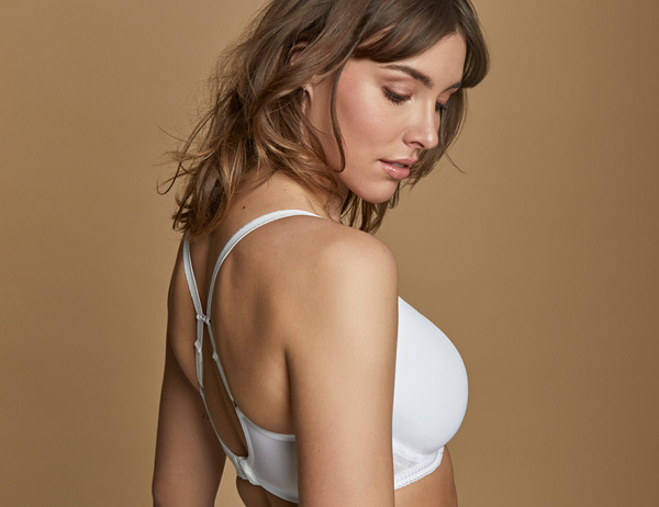 Cari Spacer – A lightweight, everyday t-shirt bra featured on Lingerie Briefs