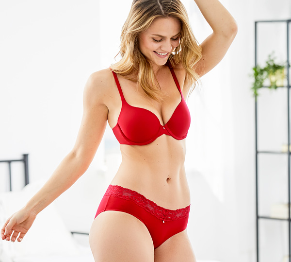 For everyday comfort and barely there feel - Montelle's Pure T-Shirt Bra featured on Lingerie Briefs