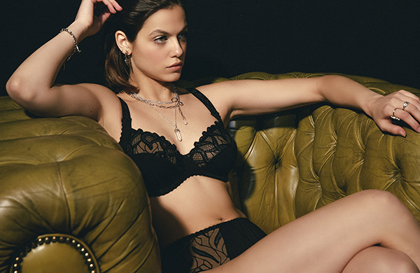 Louisa Bracq Julia full cup bra and panty as featured on Lingerie Briefs