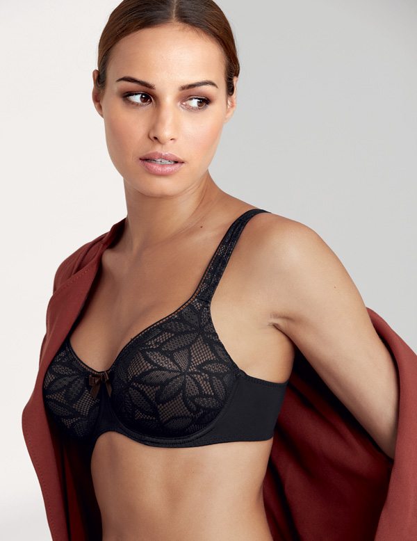 Rosa Faia's New, Seamless Lace Selena Series featured on Lingerie Briefs
