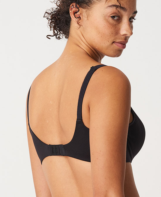 Chantelle LinC Comfort full cup bra as featured on Lingerie Briefs