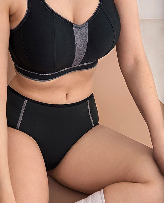 Prima Donna Sweater sports bra as featured on Lingerie Briefs