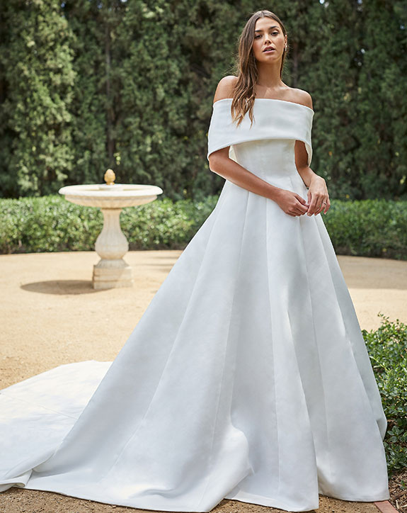 Monique Lhuillier wedding dress as seen on Lingerie Briefs
