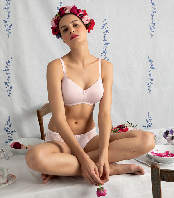 Rosa Faia's Fleur wireless seamless padded bra in blush pink - featured on Lingerie Briefs