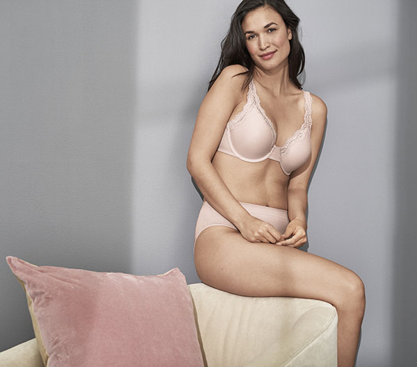 Wacoal's Softly Styled Bra as featured on Lingerie Briefs