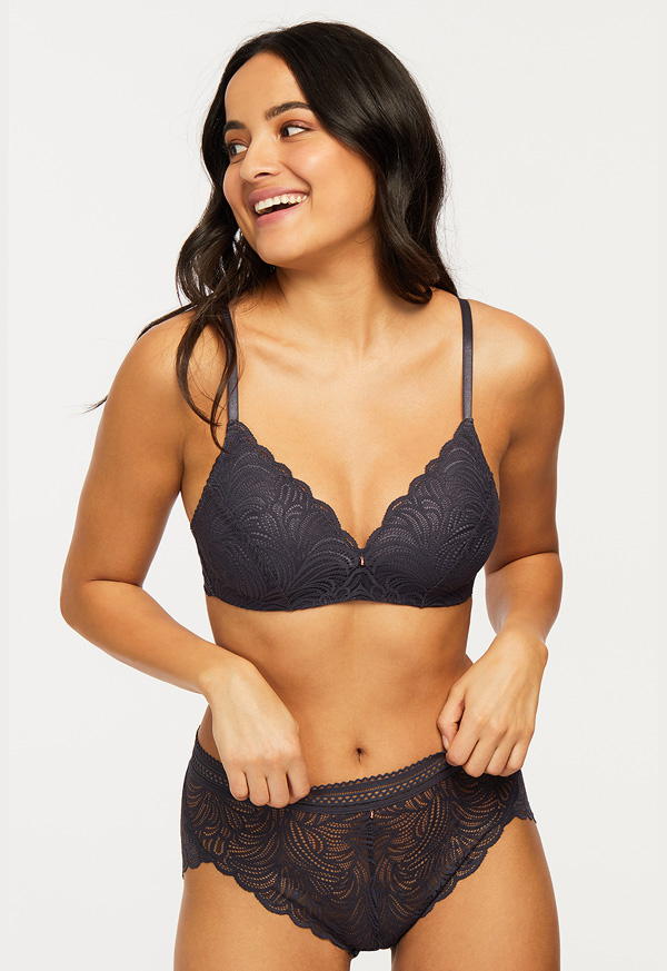 Montelle Intimates' London Fog Wire-free T-shirt Bra AW21 featured on Lingerie Briefs