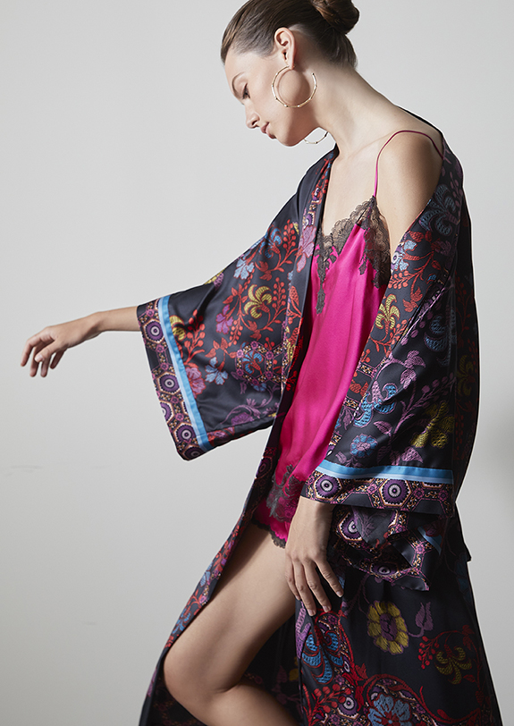 Natori Samarkand printed robe as featured on Lingerie Briefs