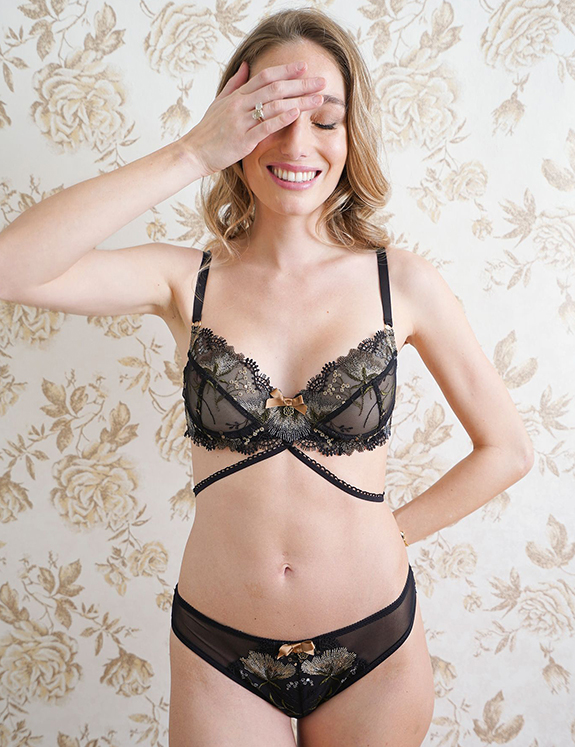 Madame Pierre Frauen Women Femmes Collection for AW 21 as featured on Lingerie Briefs